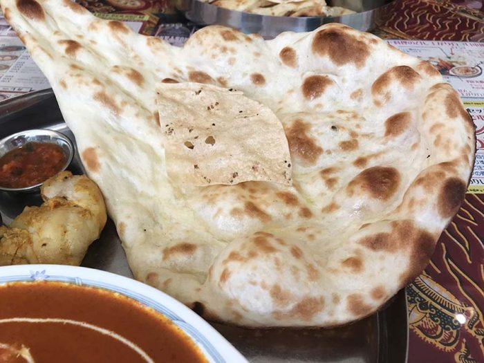 インド料理サプナ長崎矢上店のプレーンナン