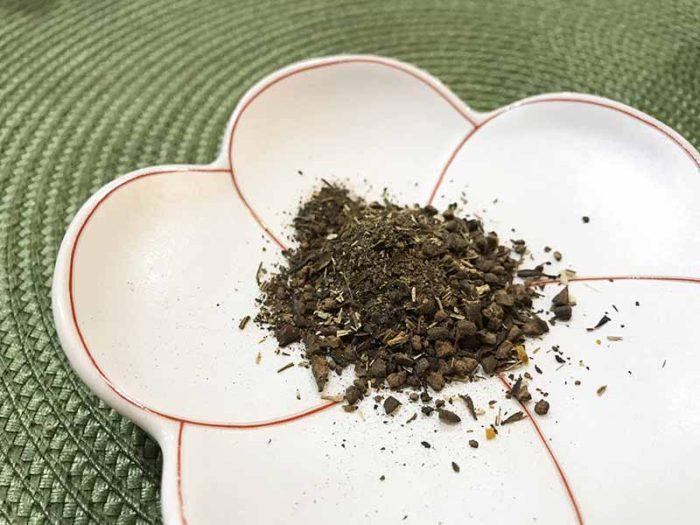 宮古ビデンス・ピローサ茶を一包開封してみた