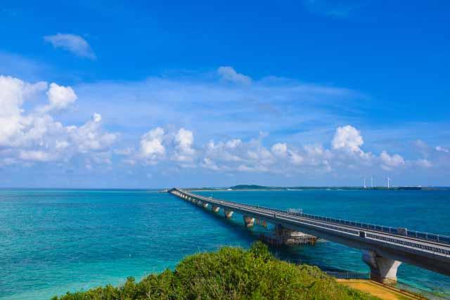 宮古島 池間大橋の絶景 透き通るような青い海