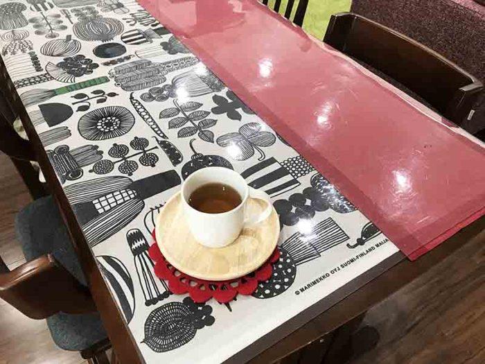 「宮古ビデンスピローサ茶」は食事中もいただきます