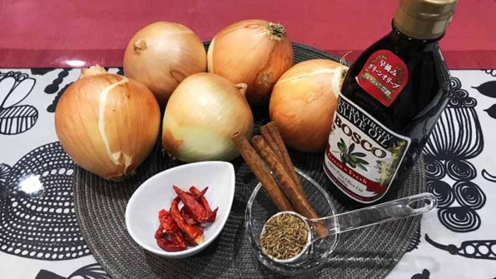 イノシシカレーのレシピ 仕込み 玉ねぎを飴色に炒める