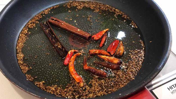 イノシシカレーのレシピ 赤唐辛子