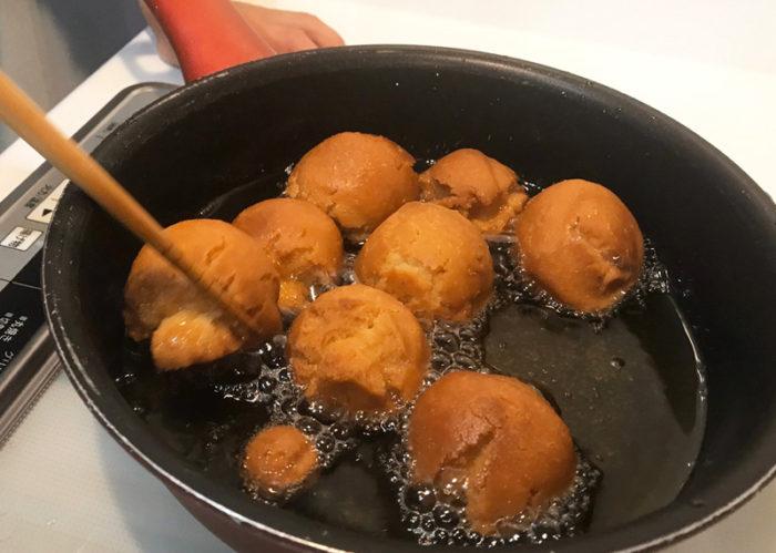 沖縄サーターアンダギの簡単レシピ だんだん膨らむ