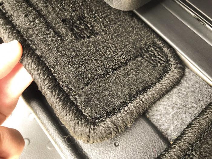 日産セレナC27フロアマット 生地は自動車専用PP素材100%